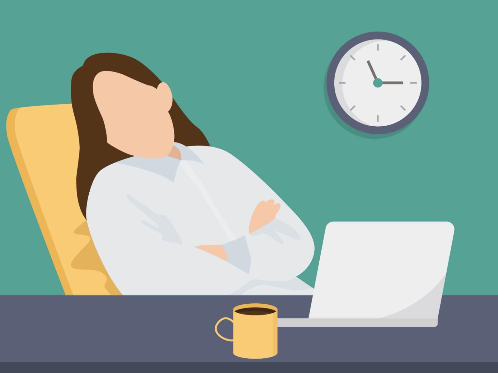Schlafen im Büro: Ein Powernap sollte nicht länger als 30 Minuten dauern.