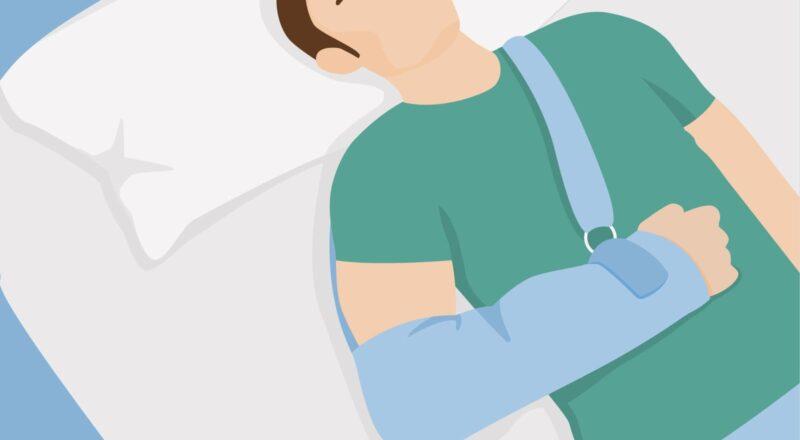 Schlafen nach Schulter-OP: Auch wenn die Schulter äußerlich bereits verheilt scheint, können nachts noch Schmerzen auftreten.